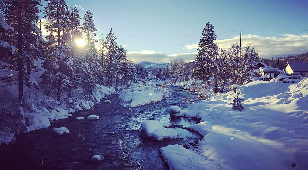 Februburied Photo Contest. Over 22 Feet of Snow!